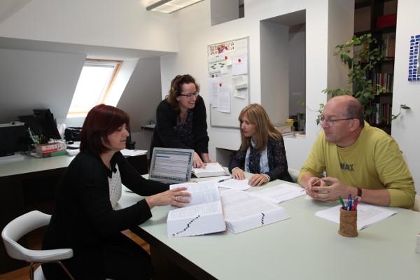 Ekipa Jezikovne svetovalnice